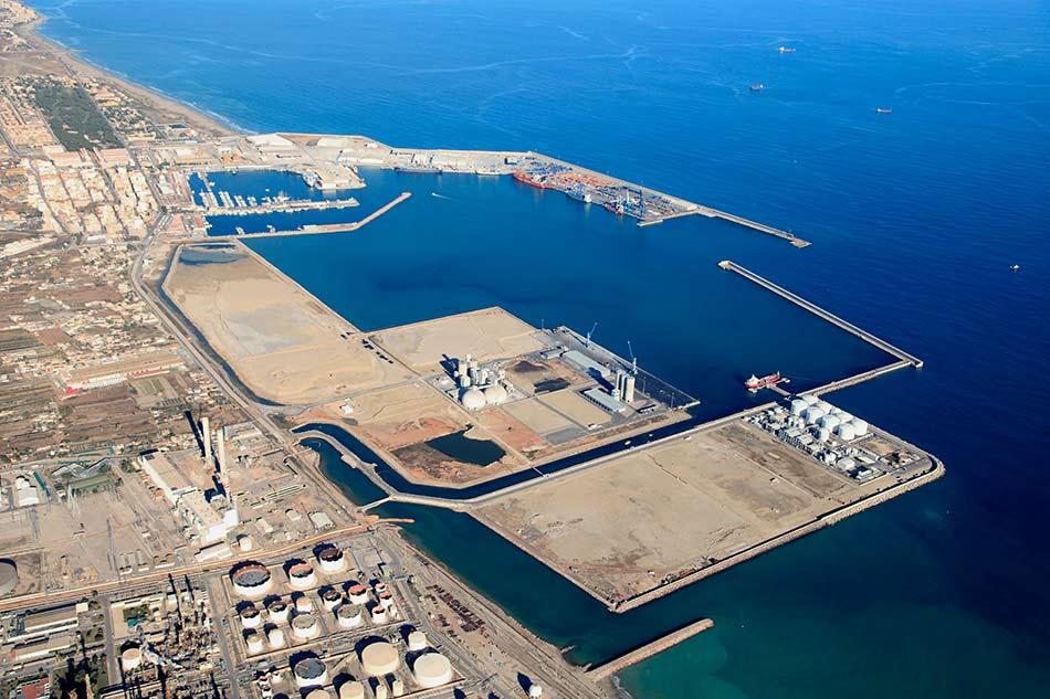 Estudio de viabilidad de instalaciones de carga de buques en el Puerto de Castellón