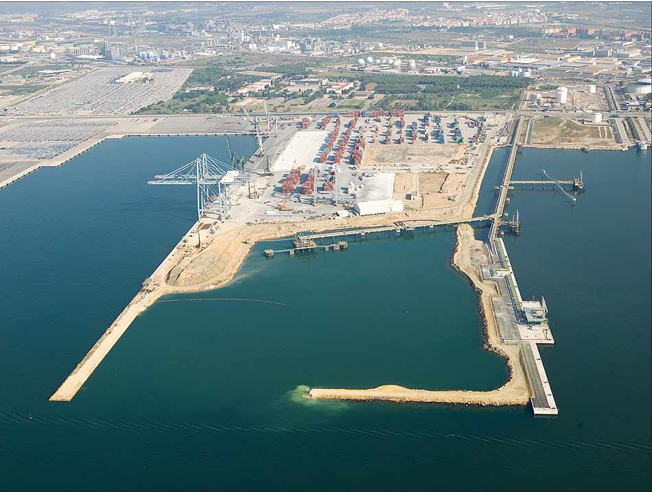 Pantalán de productos petrolíferos de ASESA del Puerto de Tarragona